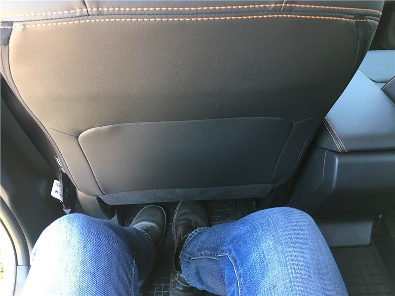 Subaru XV 2018 второй ряд