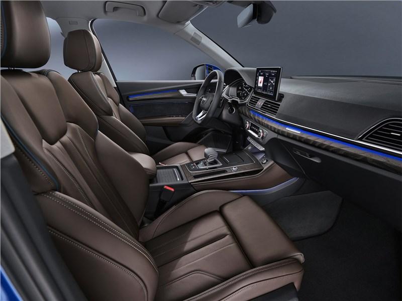 Audi Q5 Sportback (2021) передние кресла
