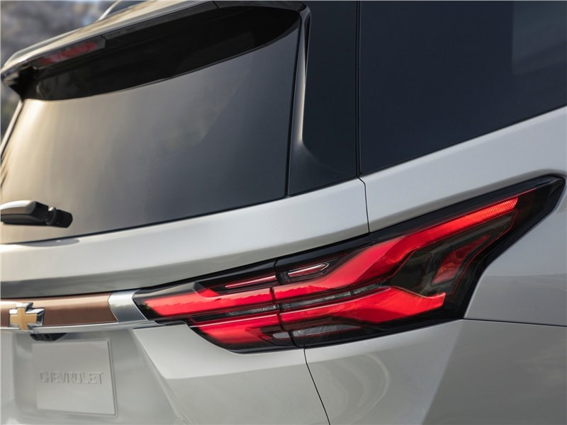 Chevrolet Traverse (2021) задний фонарь