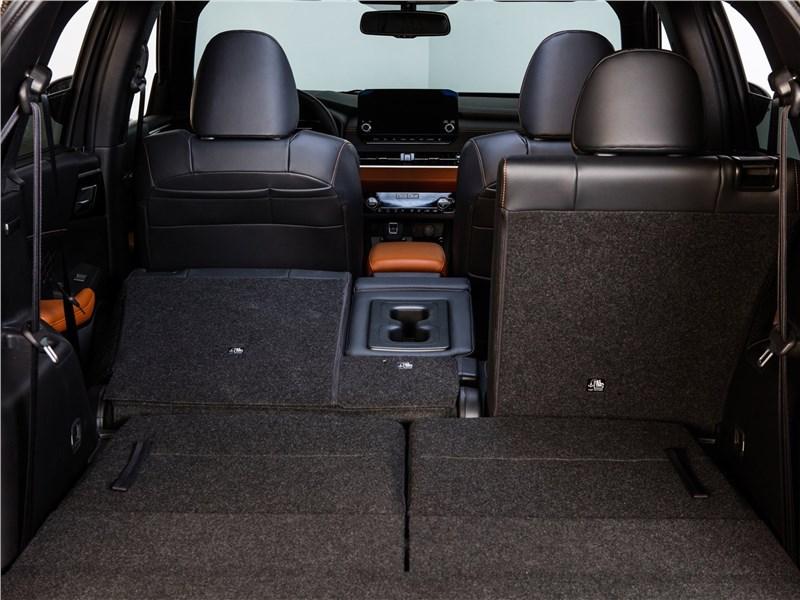 Mitsubishi Outlander (2022) багажное отделение