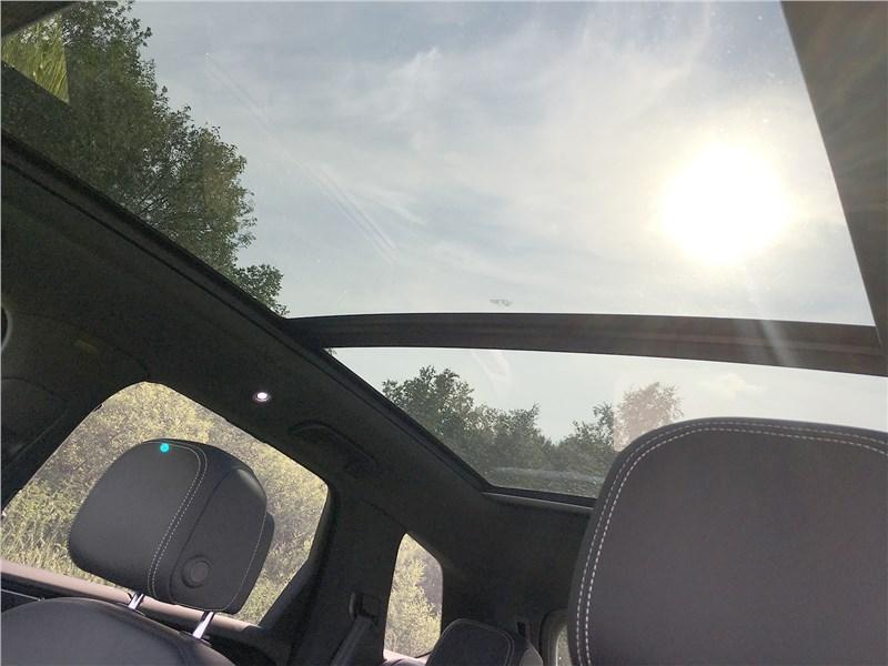 Volkswagen Touareg R-Line (2021) панорамная крыша
