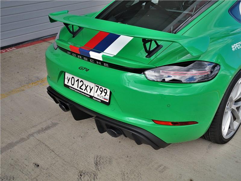 Porsche Cayman GT4 (2020) антикрыло