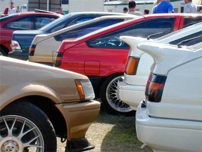 Продажи автомобилей в РФ сократились в марте более, чем на 40%