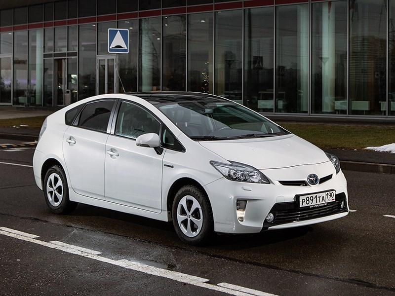 Toyota Prius 2015 Уроки экономии