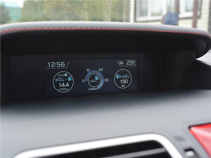 Subaru WRX STI (2018) верхний монитор