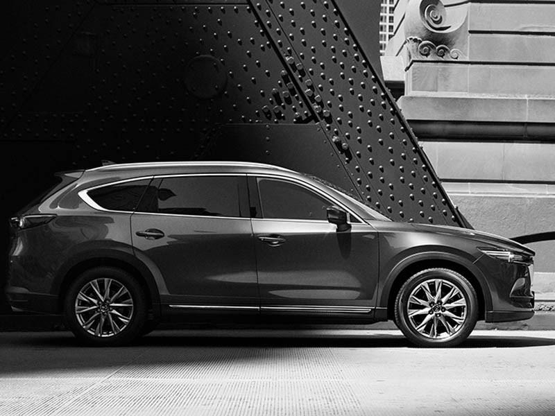 Mazda показала первое фото нового кроссовера