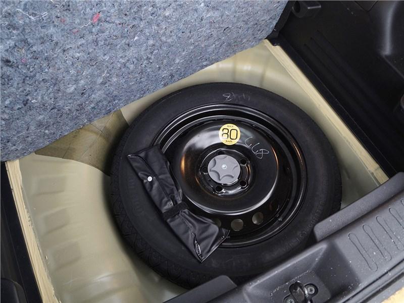 "Nissan Juke 2015 ""запаска-докатка"""