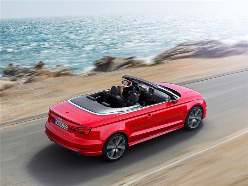 Audi A3 Cabriolet 2017 вид сзади