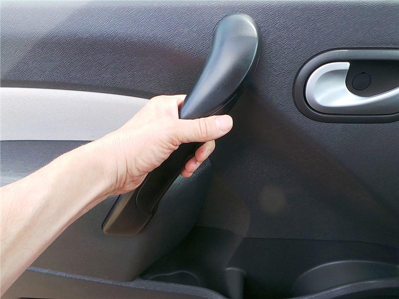 Renault Kangoo 2014 дверная ручка