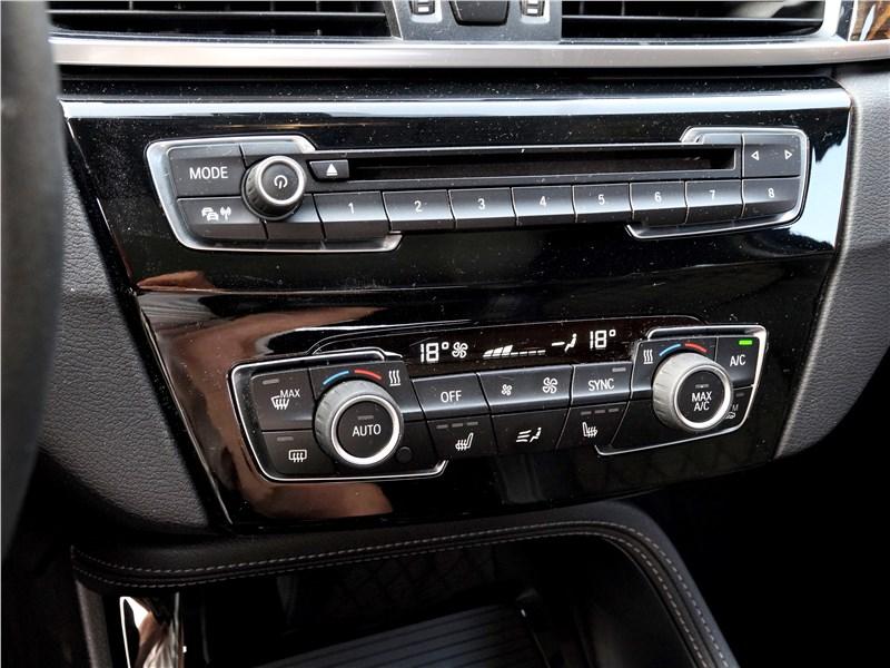 BMW X1 2016 центральная консоль