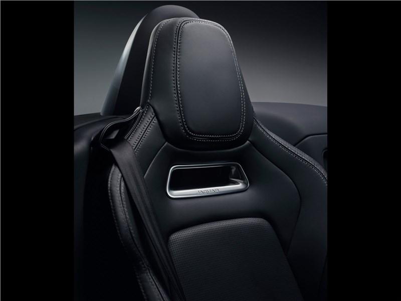 Jaguar F-Type 2018 кресло
