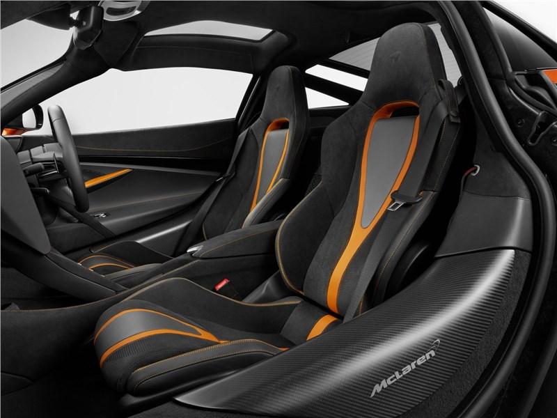 McLaren 720S 2018 кресла