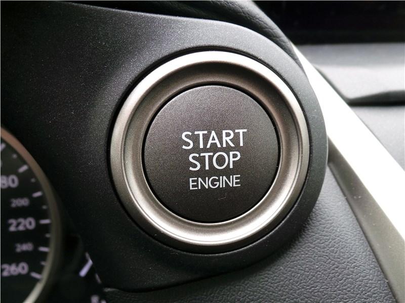 Lexus NX 2018 кнопка запуска двигателя