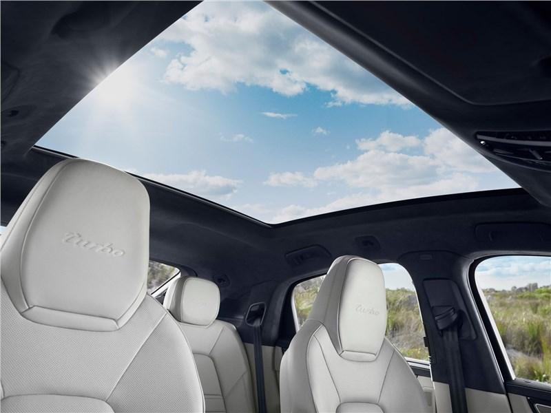 Porsche Cayenne Coupe 2020 панорамная крыша