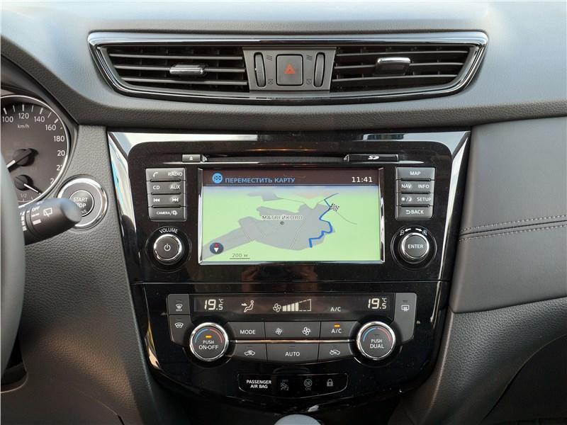Nissan Qashqai 2018 центральная консоль
