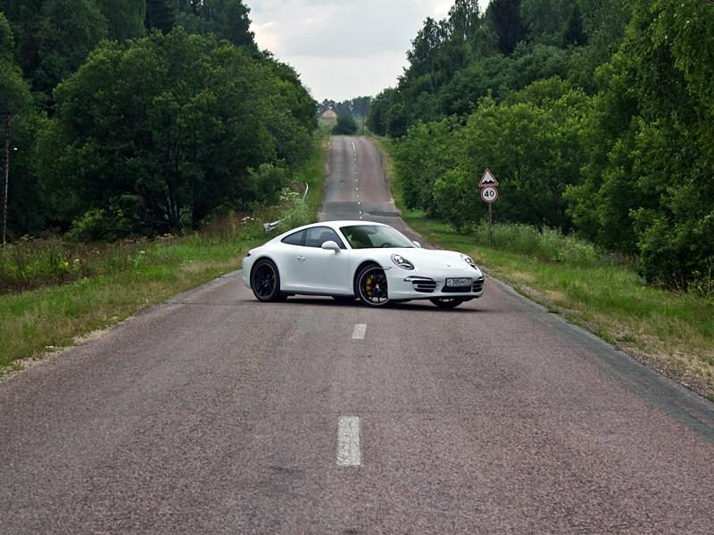 Porsche 911 Carrera 4S 2012 вид сбоку