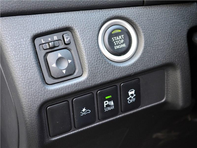 Mitsubishi Pajero Sport (2020) клавиши