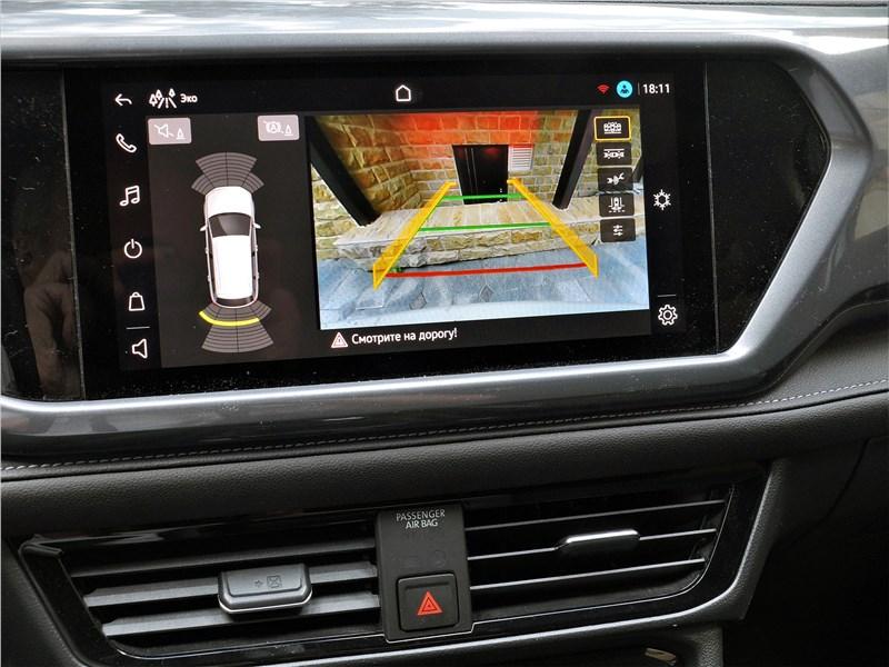 Volkswagen Taos (2022) монитор