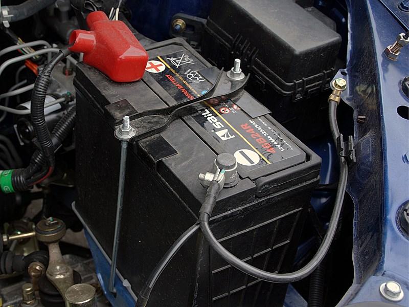 FAW V5 2012 аккумулятор