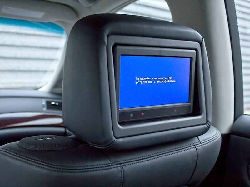 Infiniti M37 2010 ЖК монитор