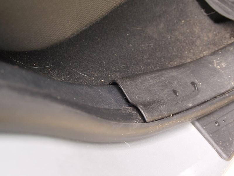 Chery Tiggo 2012 пластмассовая накладка на порожек