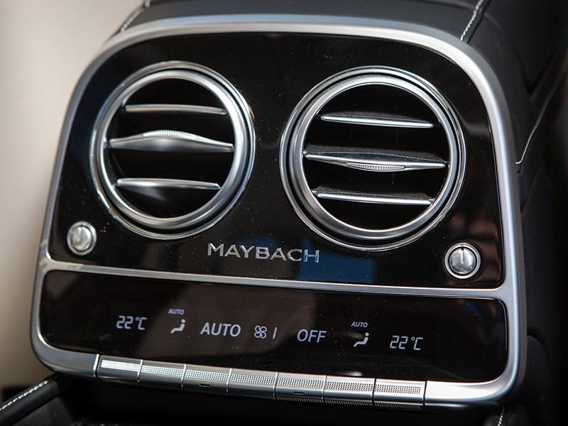 Mercedes-Maybach S 500 2015 климат для пассажиров второго ряда