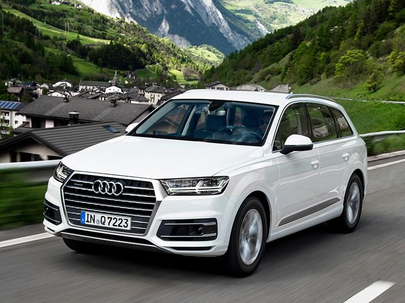 Audi Q7 2015 Непохожий