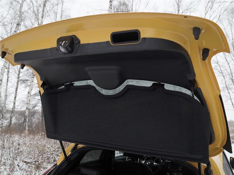 Nissan Juke 2015 полка багажника