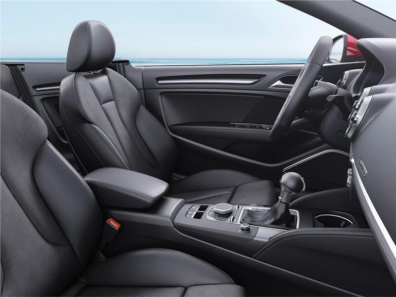 Audi A3 Cabriolet 2017 передние кресла