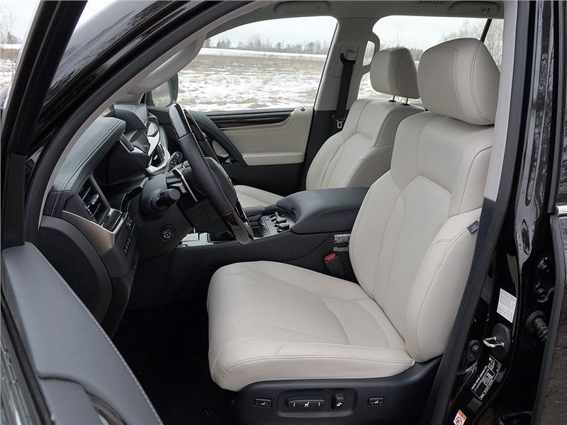 Lexus LX 2016 передние кресла