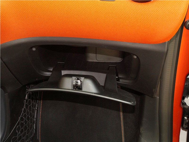 Smart Fortwo 2015 перчаточный ящик