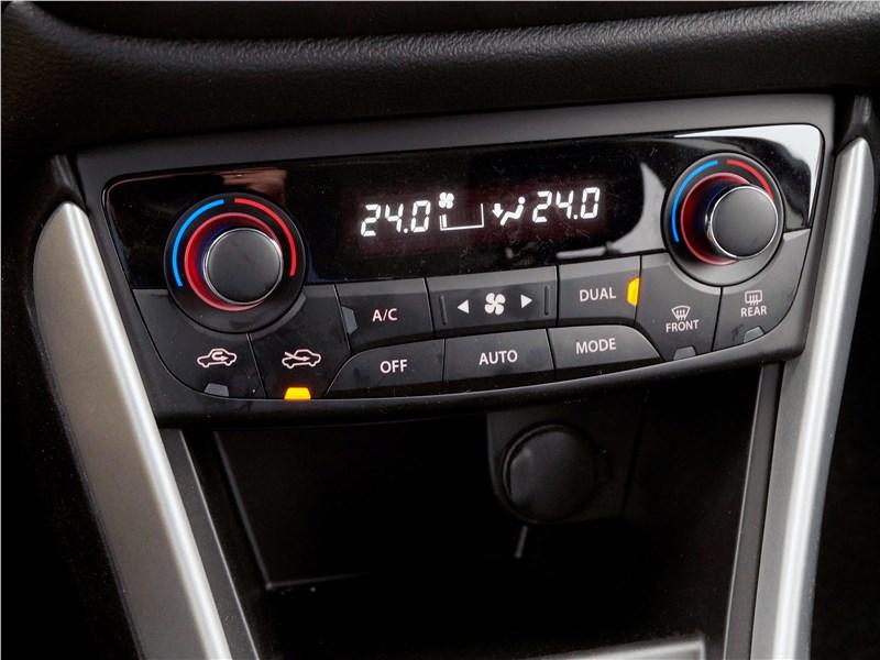 Suzuki SX4 2016 климат-контроль