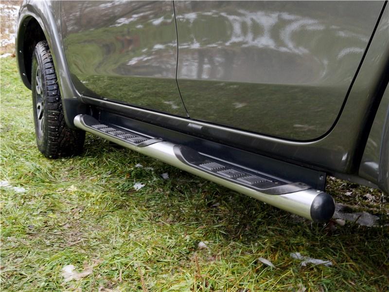 Fiat Fullback 2016 подножка