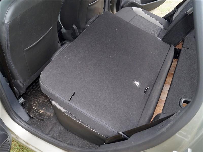 Lada XRay 2015 спинка заднего дивана