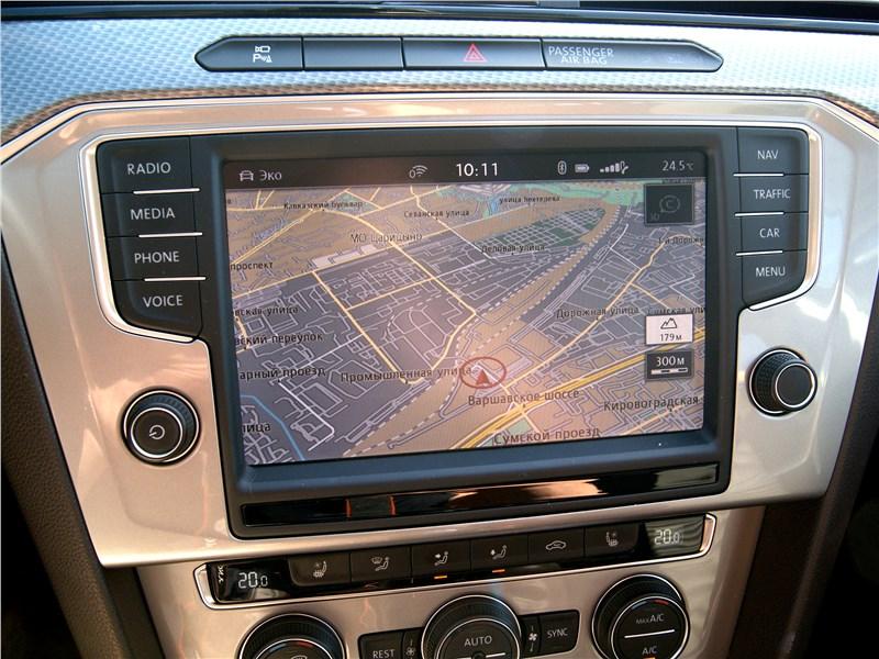 Volkswagen Passat Alltrack 2016 центральная консоль