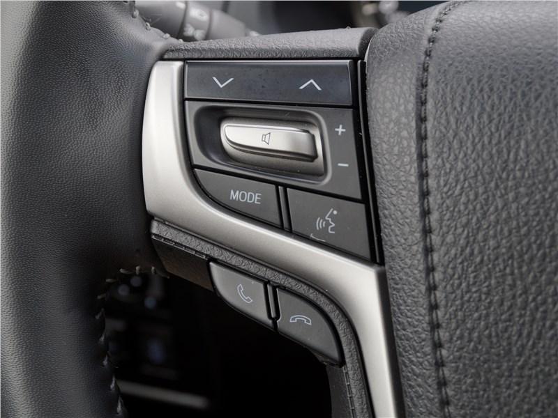 Toyota Land Cruiser Prado 2017 руль
