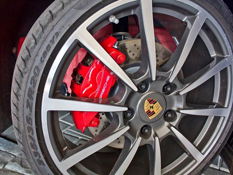 Porsche Cayman S 2013 колесо