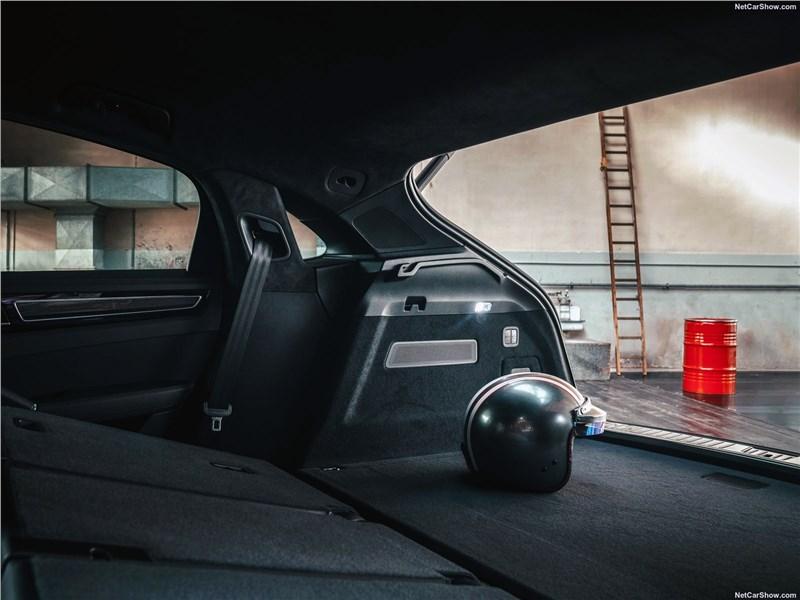 Porsche Cayenne Coupe 2020 багажное отделение