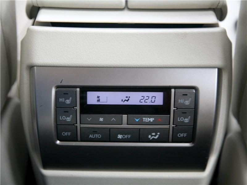 Lexus GX 460 2014 управление климатом