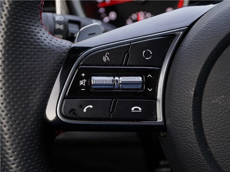 Kia ProCeed GT 2019 руль