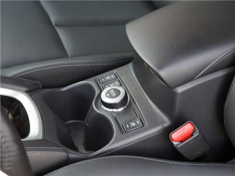 Nissan Qashqai 2018 «шайба» управления системой полного привода