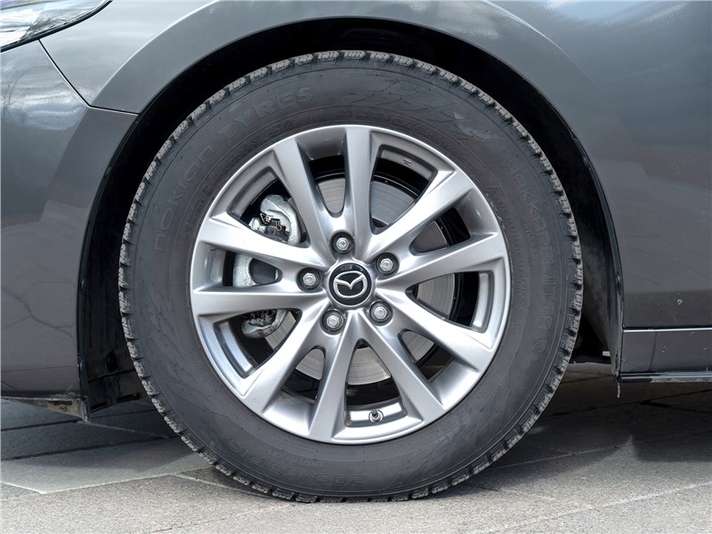 Mazda 3 2019 колесо