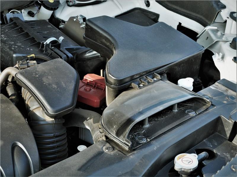 Mitsubishi Outlander (2021) моторный отсек
