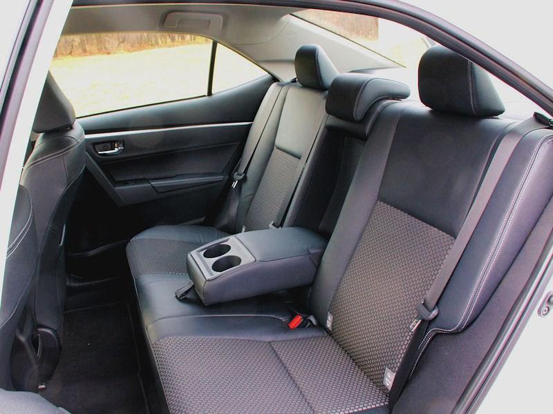 Toyota Corolla 2013 задний диван 2