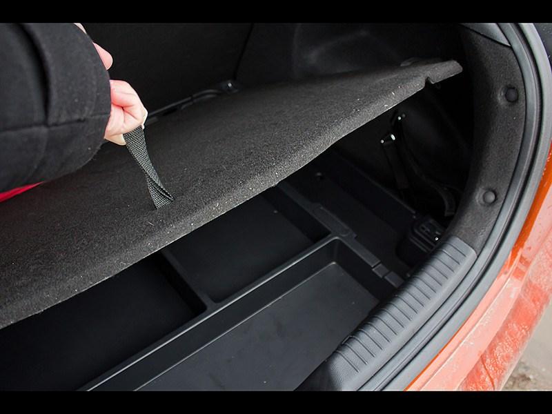 Kia Pro cee'd 2013 3 дв. багажное отделение 2