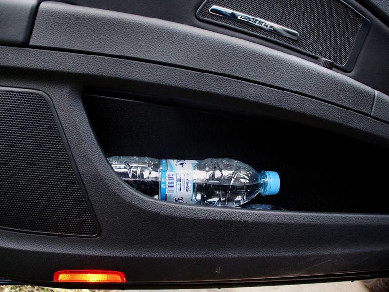 Skoda Superb Combi 2013 карманы в дверях