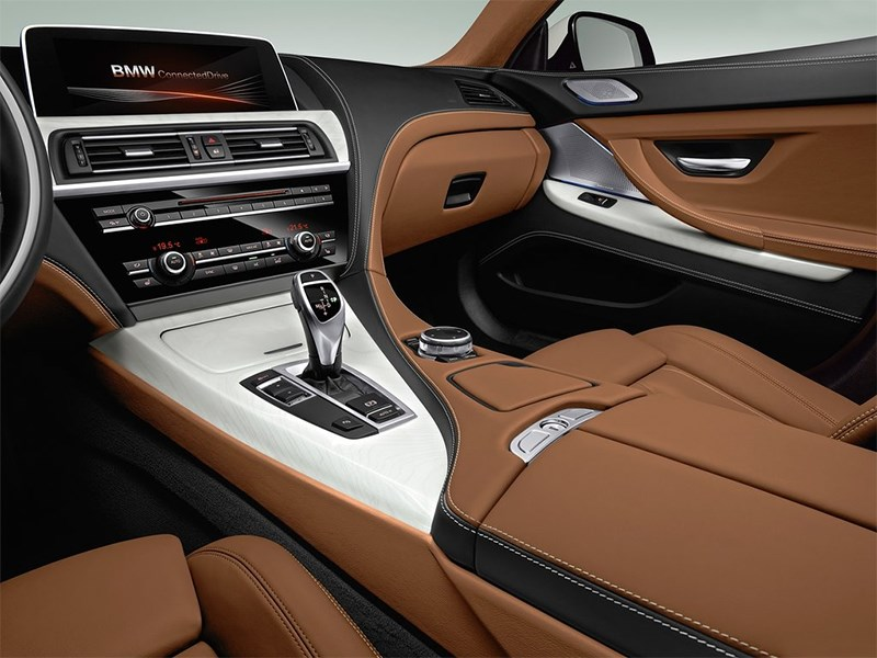 BMW 6-Series Gran Coupe 2015 центральный тонель