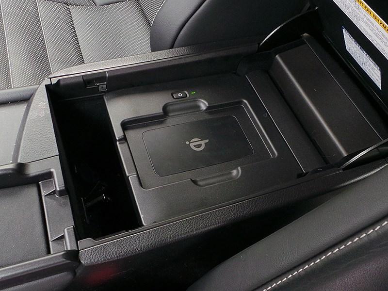 Lexus NX 2014 зарядка для смартфона