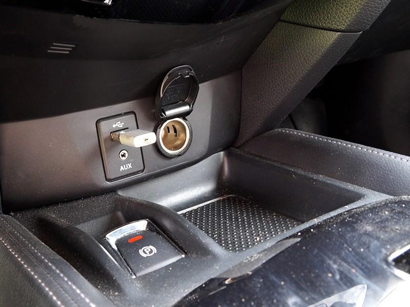Nissan X-Trail 2014 розетки