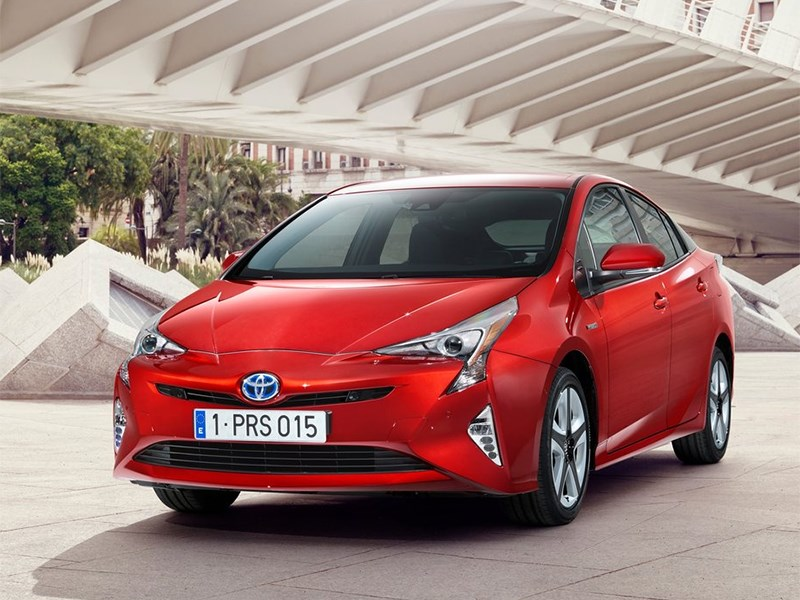 Toyota Prius 2016 Гибрид расцвел